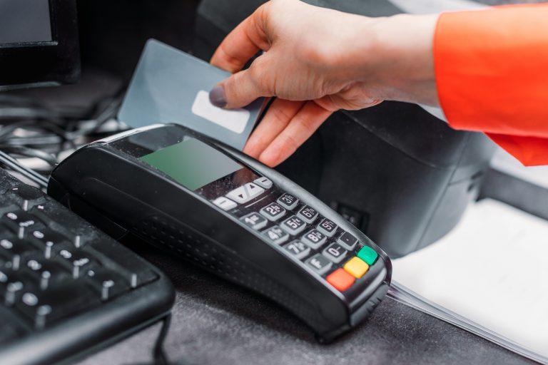 Credit-Card-Payment-Terminal-Depositphotos_153047426_original-min-2-768x512