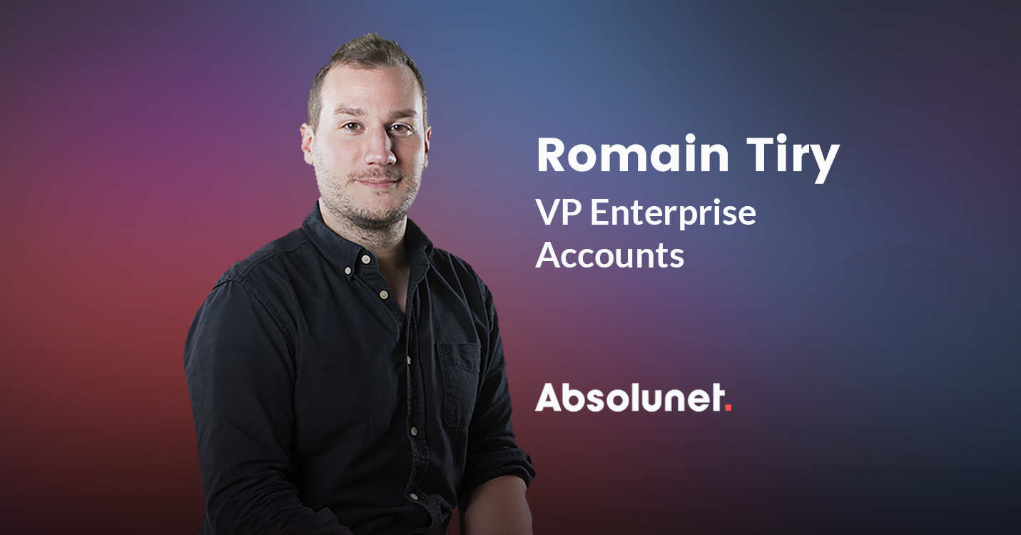 Romain Tiry on Absolunet color background